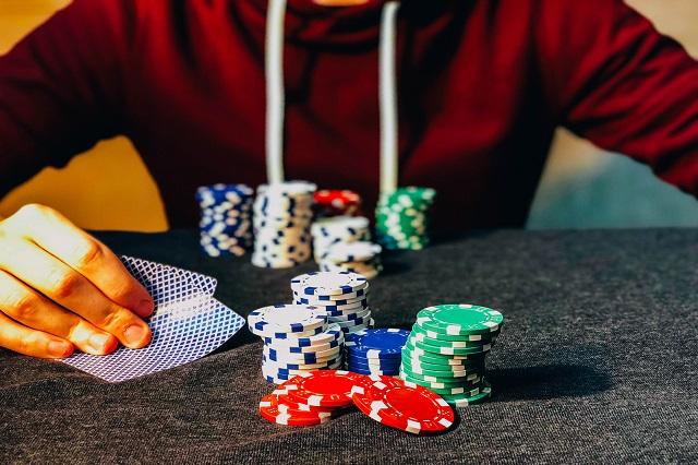 5 Ways Casinos Keep Winning
