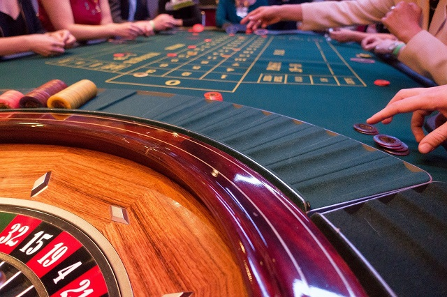 6 Steps To Becoming A Professional Poker Player